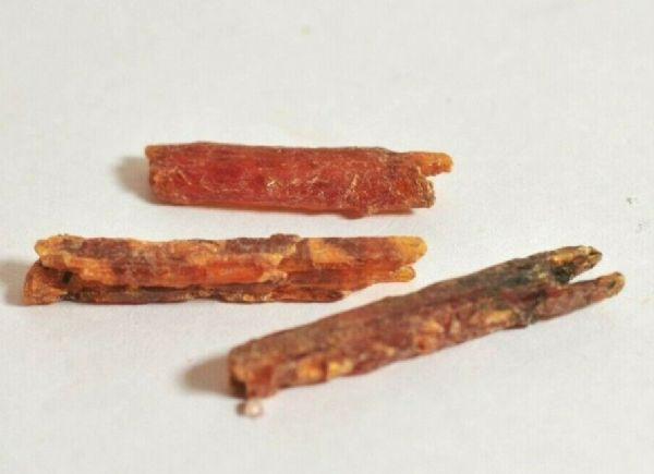 3 LOVELY SMALL GEMMY ORANGE KYANITE CRYSTALS - 2.4 to 3.1 cms 4.02 gms  #c